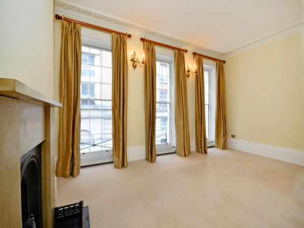 Property & Flats to rent with Foxtons (West End) L2L1204-581