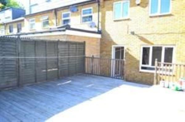 Property & Flats to rent with Letsville London L2L1231-256