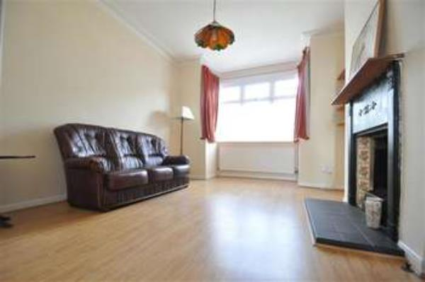 Property & Flats to rent with Adams Property Services (northfield) L2L1346-515