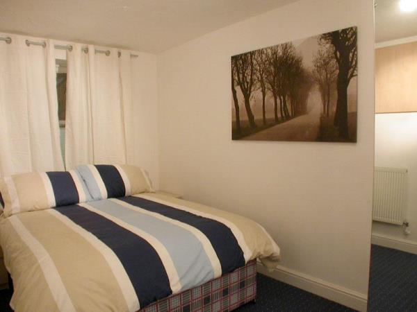 Property & Flats to rent with Room Quays Limited L2L13532-136