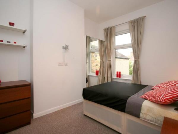 Property & Flats to rent with Room Quays Limited L2L13532-137