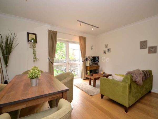 Property & Flats to rent with Apple Green Lettings L2L1393-813