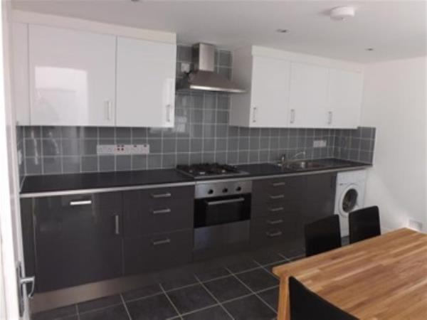 Property & Flats to rent with Bairstow Eves (Lettings) (Leyton) L2L1476-231