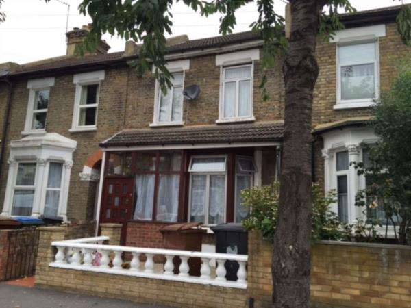 Property & Flats to rent with Belvoir Lettings - Stratford L2L1612-318