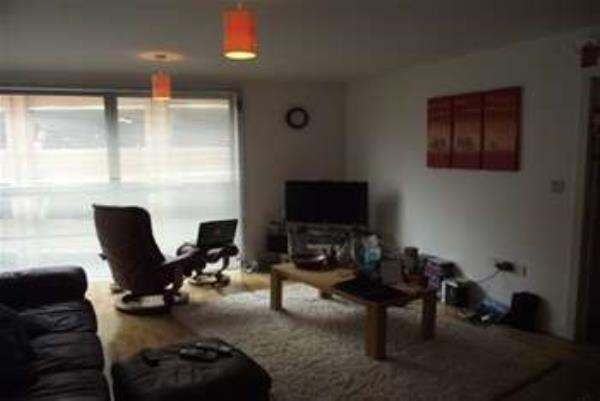 Property & Flats to rent with Gascoigne Pees (Kingston) L2L2287-210