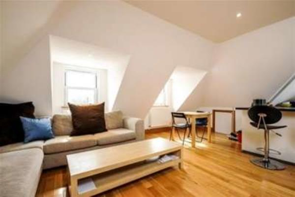 Property & Flats to rent with Gascoigne Pees (Kingston) L2L2287-245