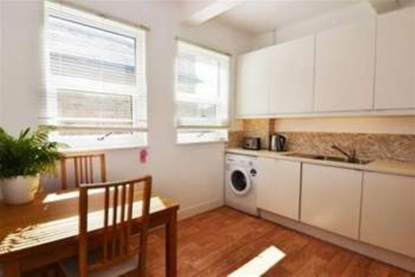 Property & Flats to rent with Gascoigne Pees (Kingston) L2L2287-275