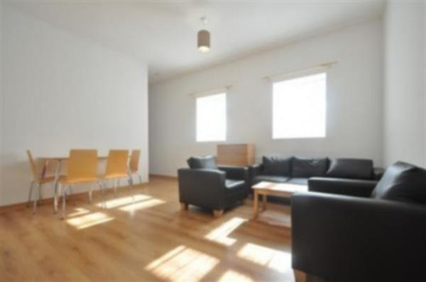 Property & Flats to rent with Flats &  Houses L2L238-171