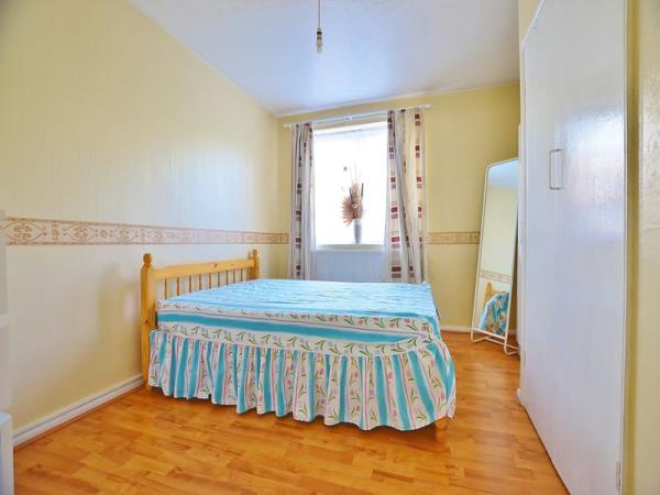 Property & Flats to rent with Homefinders - Hackney L2L2465-431