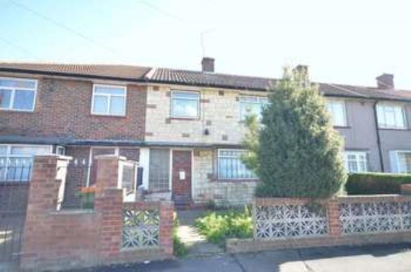 Property & Flats to rent with Homefinders - Stratford L2L2466-125