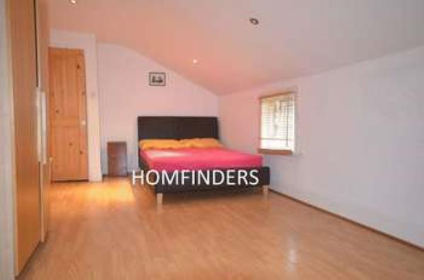 Property & Flats to rent with Homefinders - Stratford L2L2466-213