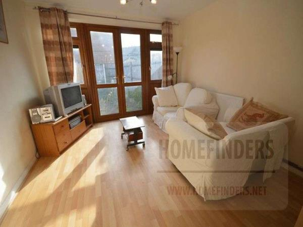 Property & Flats to rent with Homefinders - Stratford L2L2466-260