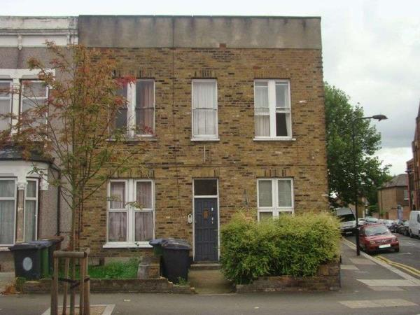 Property & Flats to rent with Lloyds Residential Bethnal Green L2L2718-3032