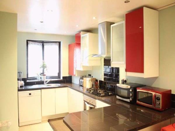 Property & Flats to rent with Lloyds Residential Bethnal Green L2L2718-3073