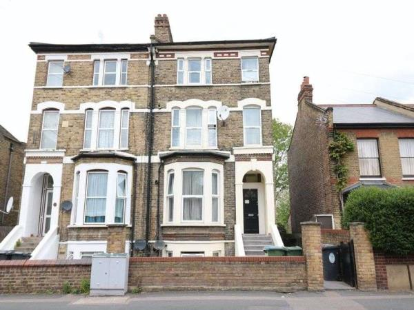 Property & Flats to rent with Lloyds Residential Bethnal Green L2L2718-4825