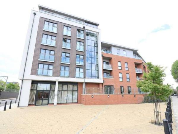Property & Flats to rent with Lloyds Residential Bethnal Green L2L2718-5174