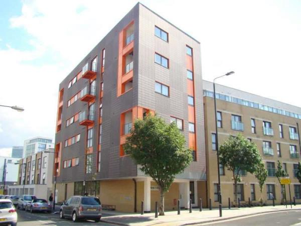 Property & Flats to rent with Lloyds Residential Bethnal Green L2L2718-5176