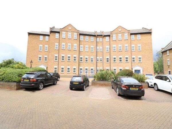 Property & Flats to rent with Lloyds Residential Bethnal Green L2L2718-5173
