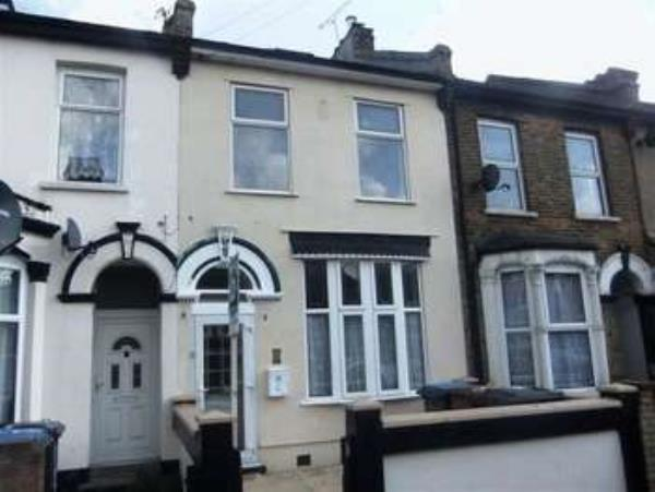 Property & Flats to rent with Spencers Property - Forest Gate L2L3331-430