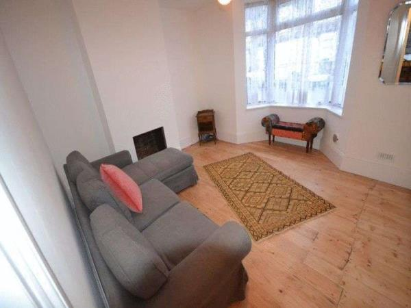 Property & Flats to rent with Spencers Property - Forest Gate L2L3331-471