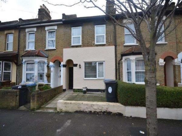 Property & Flats to rent with Spencers Property - Forest Gate L2L3331-482