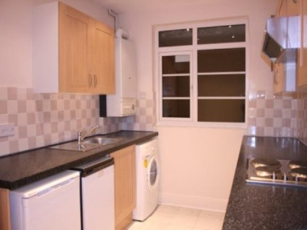 Property & Flats to rent with David Harris and Co. L2L3681-223