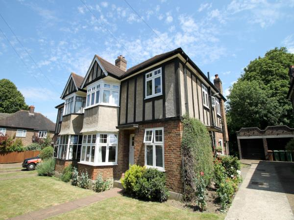 Property & Flats to rent with Leaders (Sutton) L2L3777-511