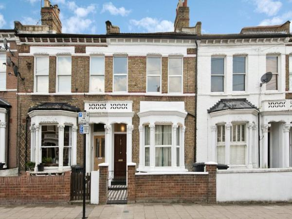 Property & Flats to rent with Marsh & Parsons (Clapham) L2L3806-518