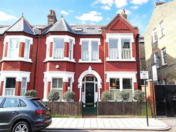 Property & Flats to rent with James Pendleton- Clapham South and Balham L2L3814-282
