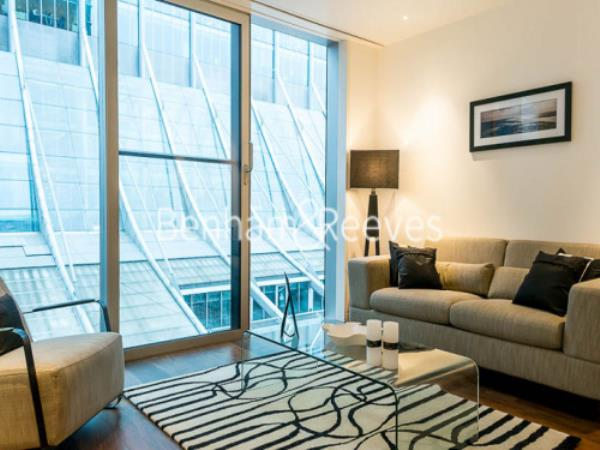 Property & Flats to rent with Benham and Reeves (City) L2L400-145