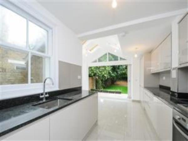 Property & Flats to rent with Barnard Marcus (West Kensington) L2L421-292