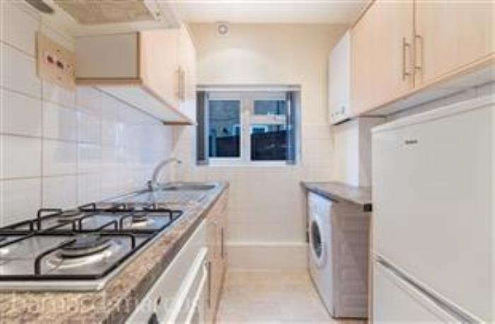 Property To Rent In East Croydon L2L435-224