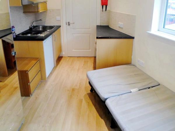 Property & Flats to rent with Ashley Samuel (London) L2L4594-184