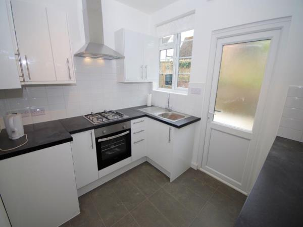 Property & Flats to rent with Bennett & Hall L2L4776-322