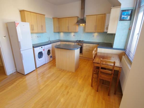 Property & Flats to rent with Bennett & Hall L2L4776-360