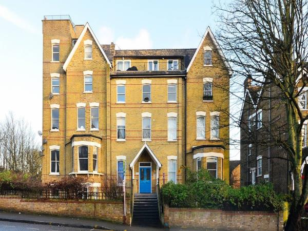 Property & Flats to rent with Foxtons Crystal Palace L2L5739-629