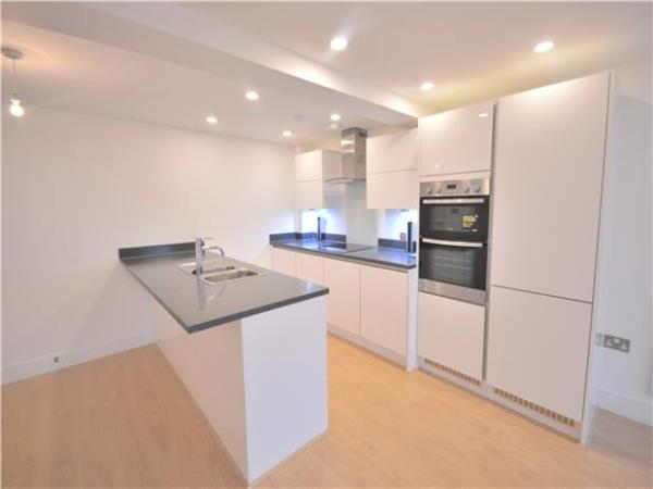 Property & Flats to rent with Andrews Estate Agents (BALHAM) L2L5782-388