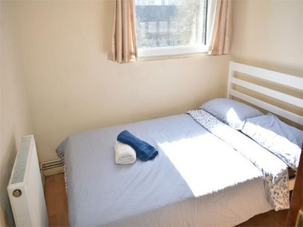 Property & Flats to rent with Hunter & Bloomfield L2L623-418
