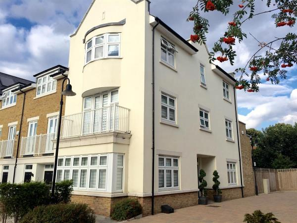 Property & Flats to rent with Willson Independent L2L9736-142